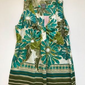 Ann Taylor Floral Top. Size 2P NWT